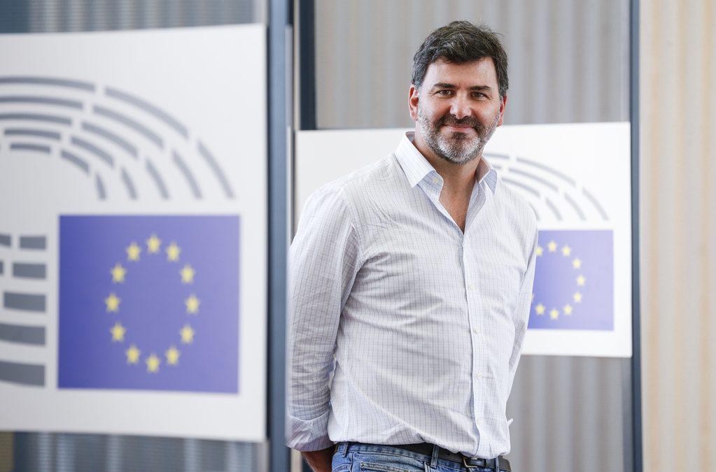 """Nicolás González: """"Sin la UE, los países tendrían que comprar vacunas por separado y no todos podrían afrontar ese gasto"""""""